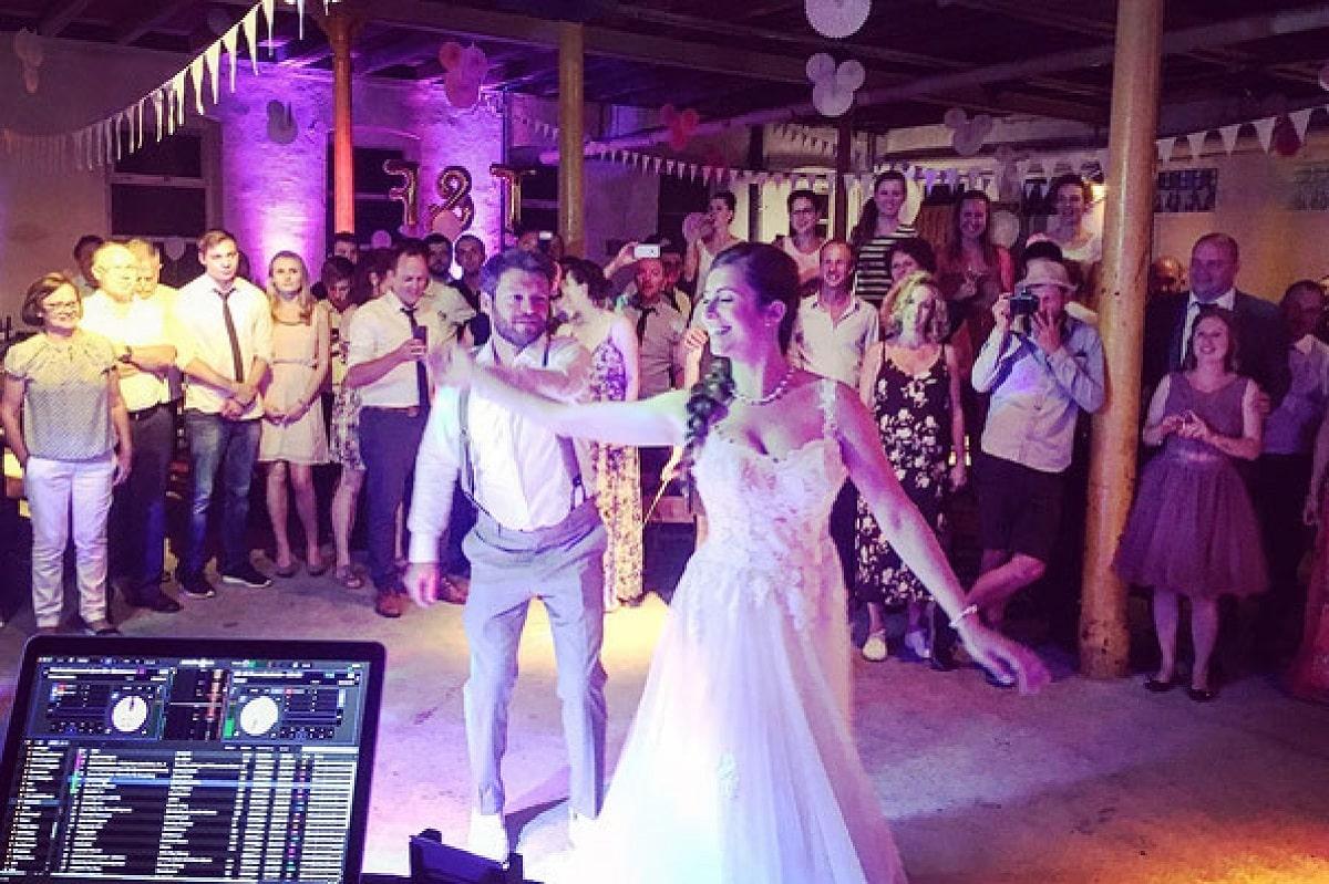 Hochzeits Dj Wien, hochzeits dj niederösterreich, dj oberösterreich, dj kärnten, dj burgenland, dj wien, dj salzburg, dj linz, dj graz, fotobox wien, fotobox graz, fotobox burgendland, fotobox linz, fotobox salzburg, SHOWTIME PREMIUM DJ SERVICE Hochzeits DJ Niederösterreich Hochzeits DJ Steiermark Hochzeits DJ Oberösterreich, Hochzeits D jBurgenland, fotobox Hochzeits djS alzburg Fotobox günstig mieten, Zauberspiegel wien, Zauberspiegel mieten, Hochzeitsdj, Eventdj, Veranstaltungstechnik, Karaoke mieten, Zauberer für Hochzeit, Karikaturzeichner, Stelzengeher, Bauchredner, Sängerin für Hochzeit, Saxophonist für Hochzeit, Saxophonist und dj, zauberspiegel salzburg, zauberspiegel wien, zauberspiegel linz, zauberspiegel mieten, zauberspiegel kärnten